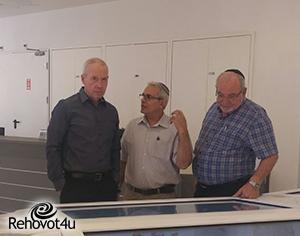 שר הבינוי והשיכון וראש העיר במרכז החדש למורשת יהדות תימן
