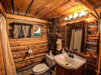 עץ טבעי באמבטיה: יותר לא תרצו לחזור לקרמיקה