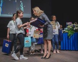 תחרותהכותביםהצעירים: מקומות ראשונים לתלמידי רחובות