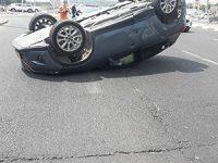 תאונת דרכים עם מעורבות רכב הפוך בכביש 40