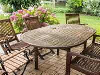כיצד לעצב את פינת הישיבה בגינה באלגנטיות, בקלות ובזול?
